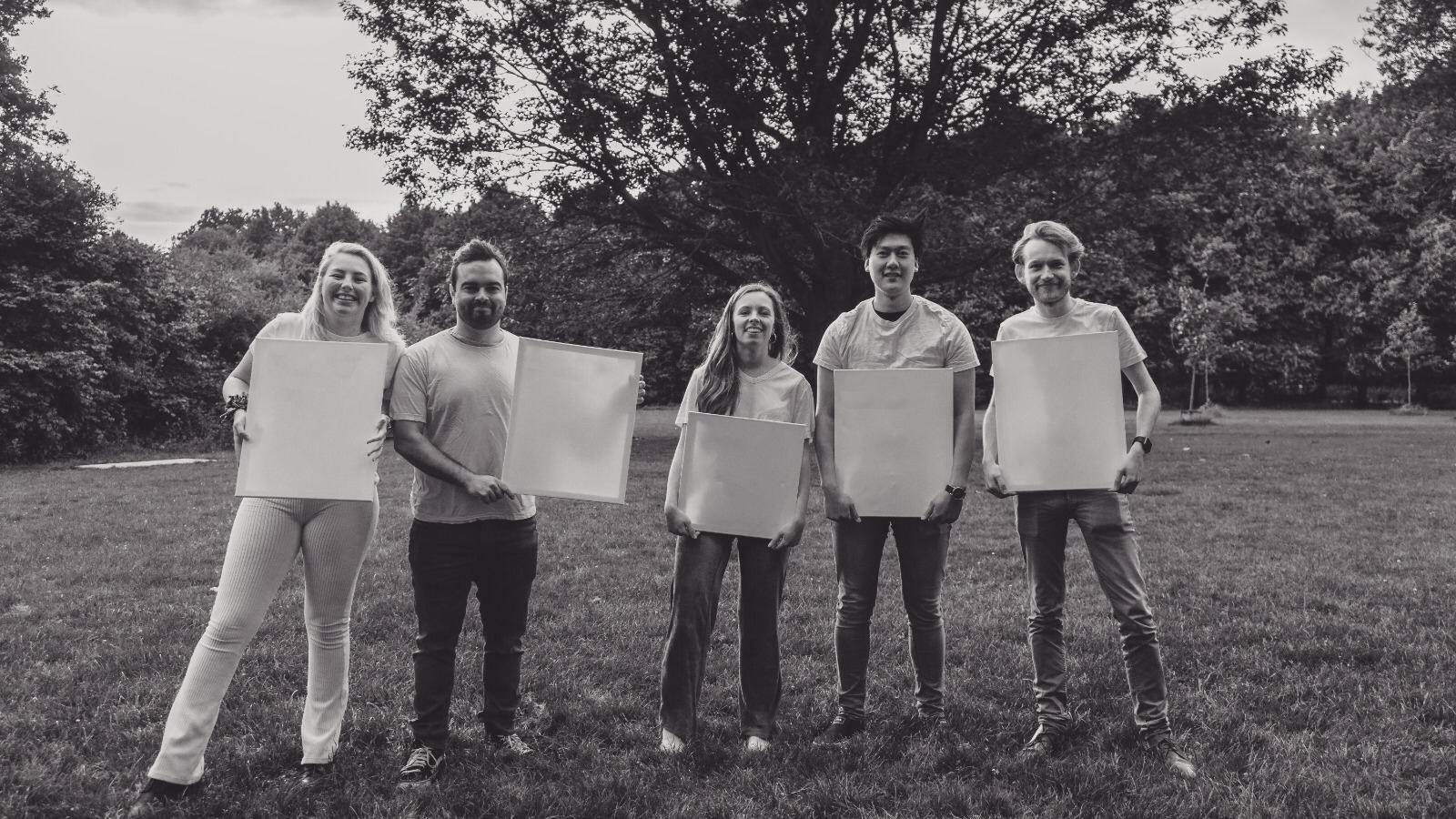 White t-shirt KICnick: een jaarlijks fenomeen in een ander jasje